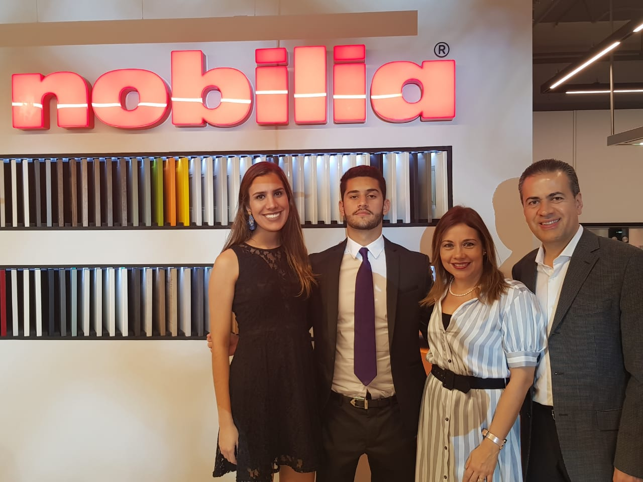 MOTIVE - Showroom Nobilia e94ab6b788bf